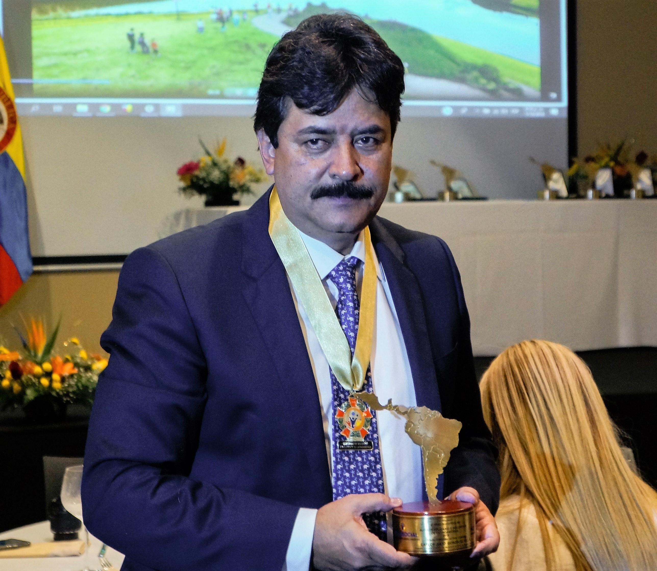 Carlos Julio González Villa, Gobernador del Departamento del Huila (Colombia) 2018.