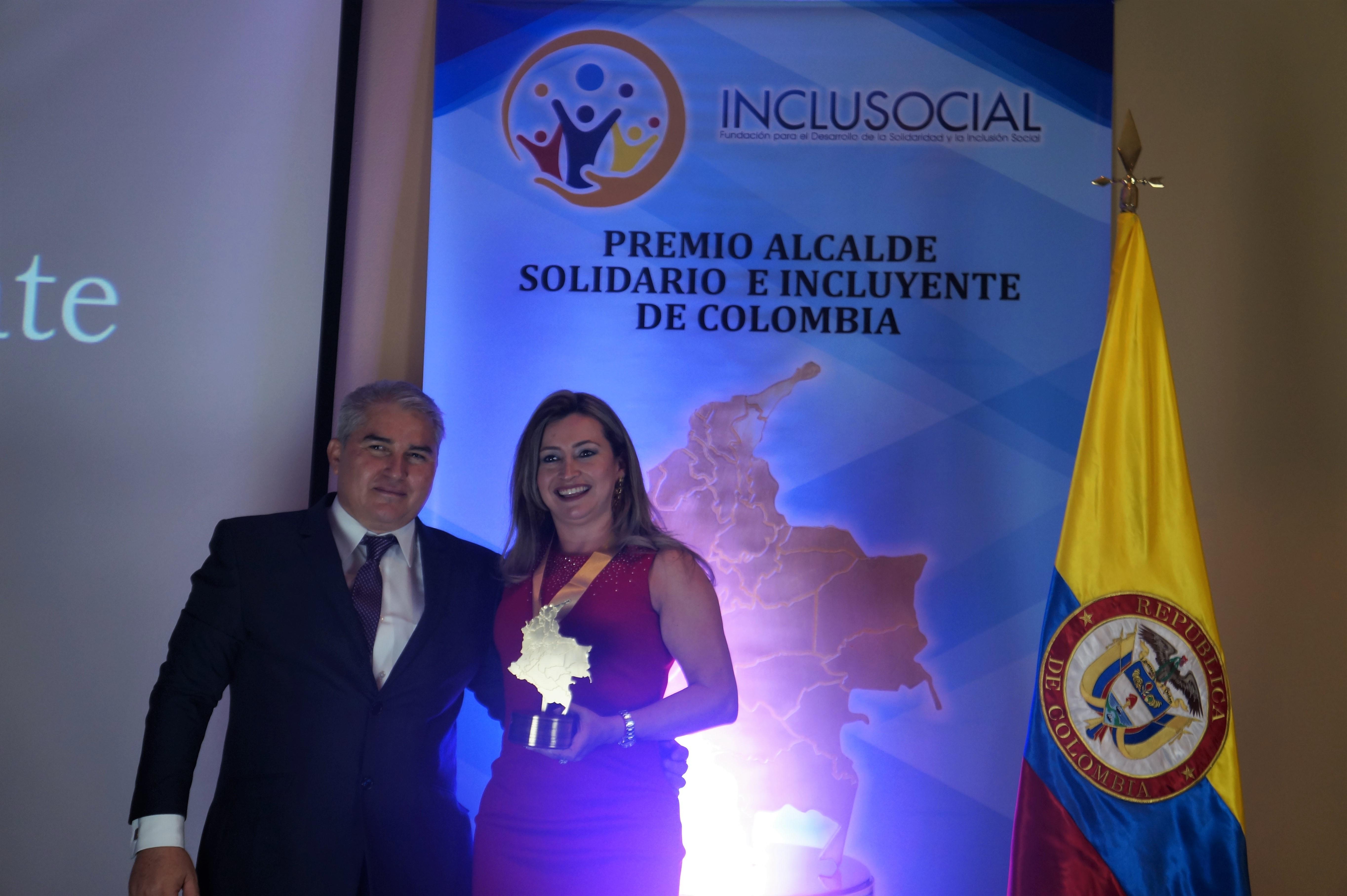 Yenny Alexandra Trujillo Alzate, recibe el premio «Alcaldesa Solidaria e Incluyente de Colombia 2019»