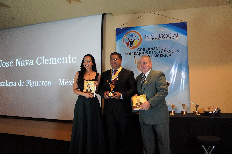 """Josè Francisco Nava Clemente recibió el premio """"Presidente Municipal Solidario e Incluyente de Latinoamérica 2019"""