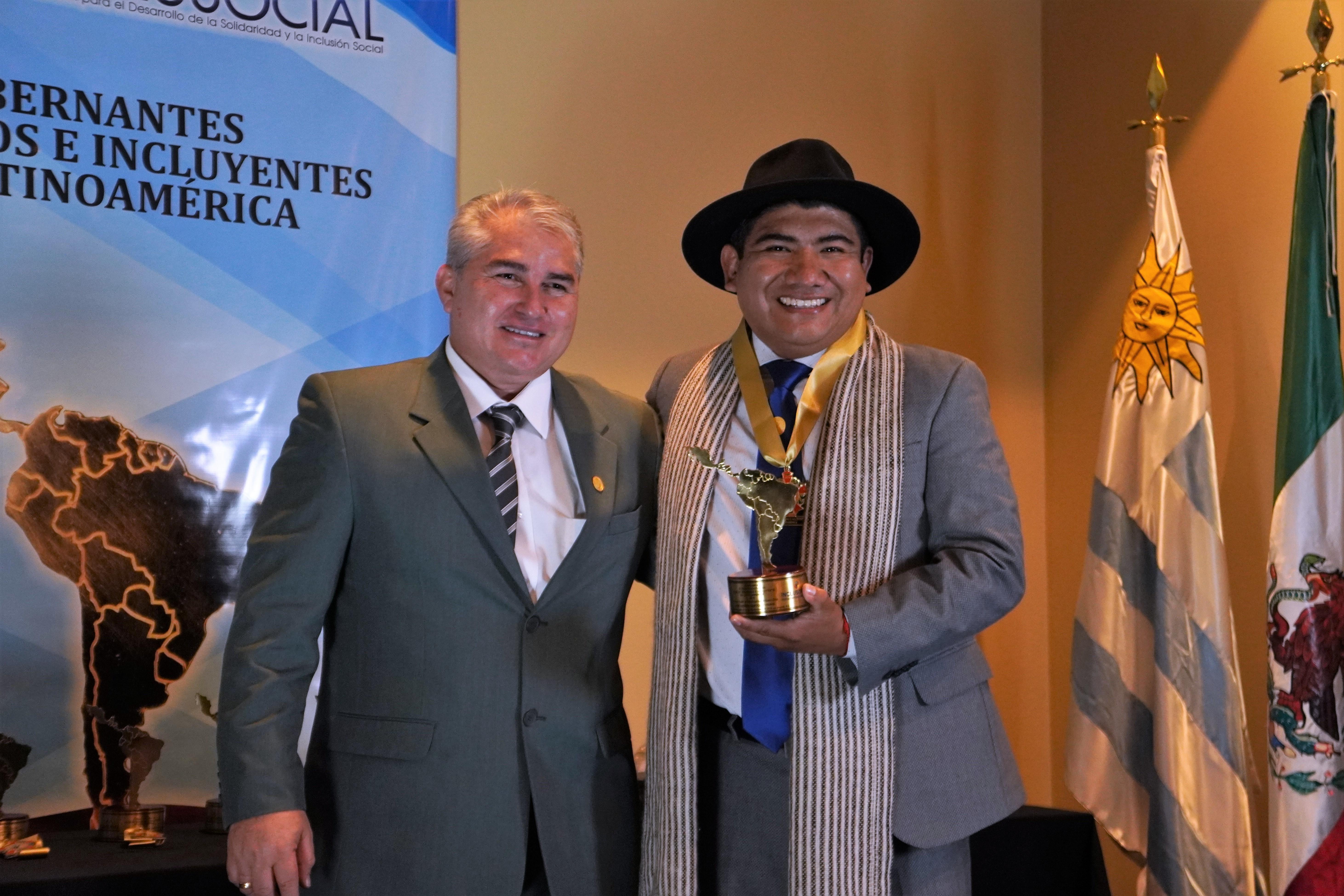 """José Andrés Bartolo Vinaya, recibió el premio """"Alcalde Solidario e Incluyente de Latinoamérica 2019″"""