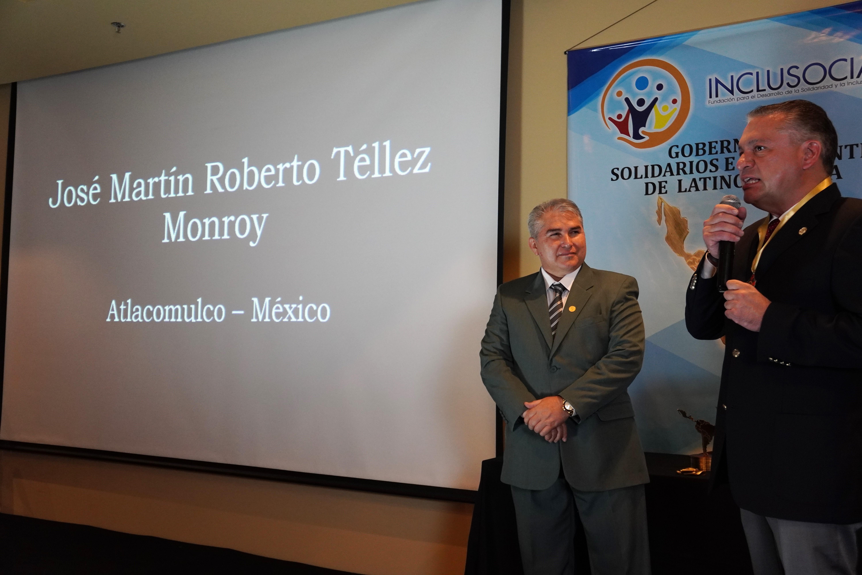 Roberto Téllez Monroy recibiò el premio «Presidente Municipal Solidario e Incluyente de Latinoamérica 2019»