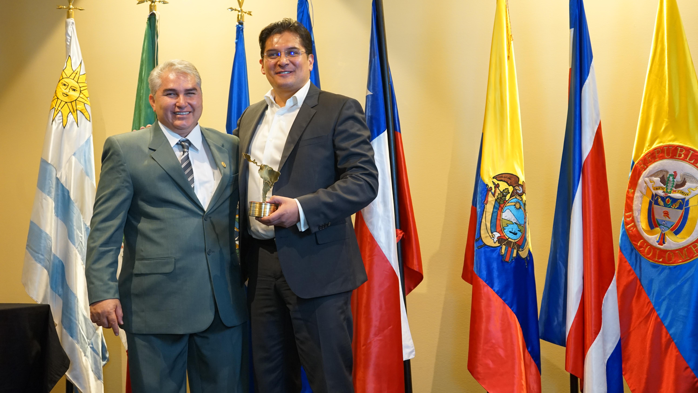 "Juan Rodolfo Sánchez  recibió el premio ""Presidente Municipal Solidario e Incluyente de Latinoamérica 2019″"