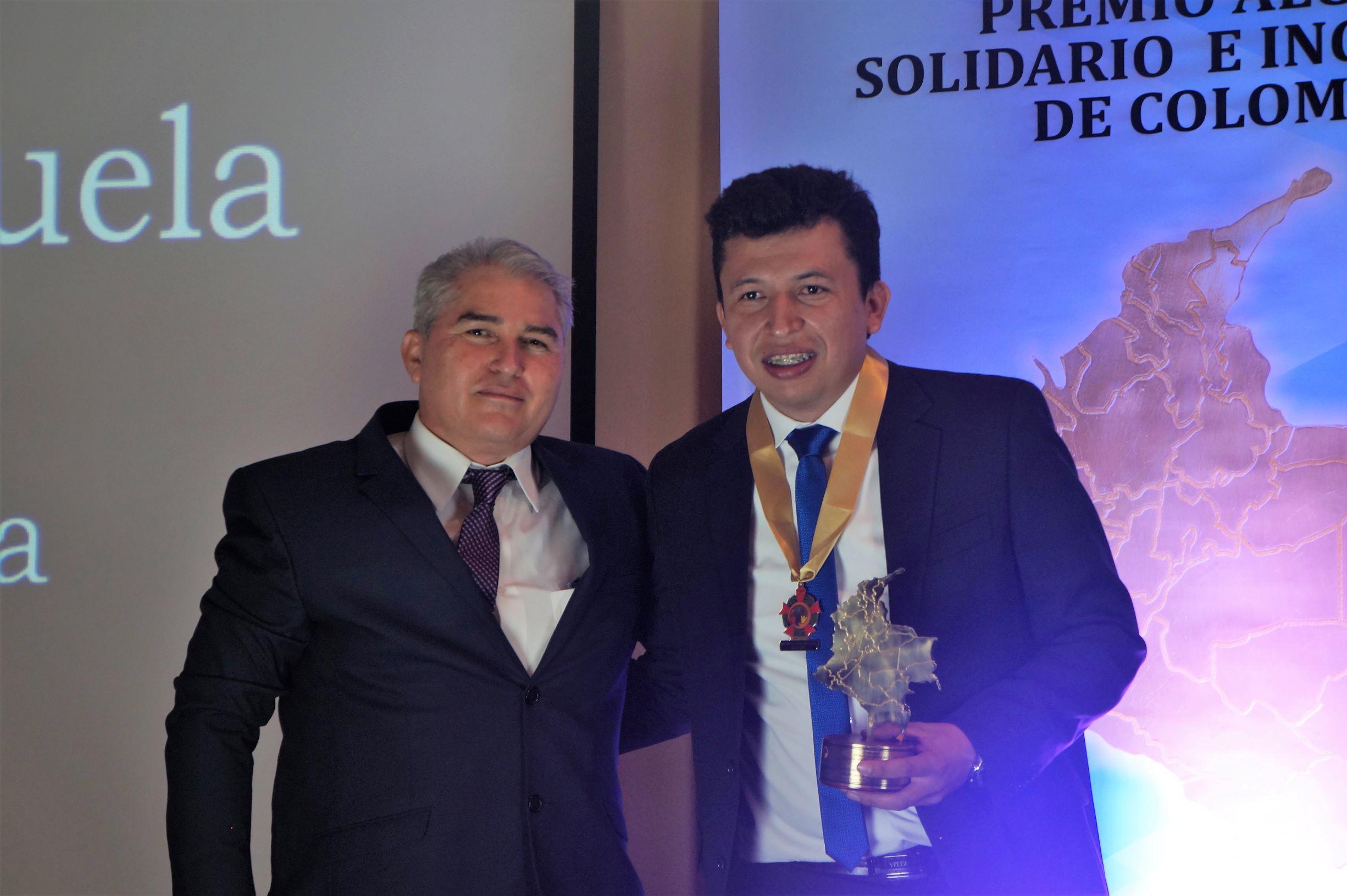 Eduar  Serrano recibió el premio «Alcalde Solidario e Incluyente de Colombia 2019»