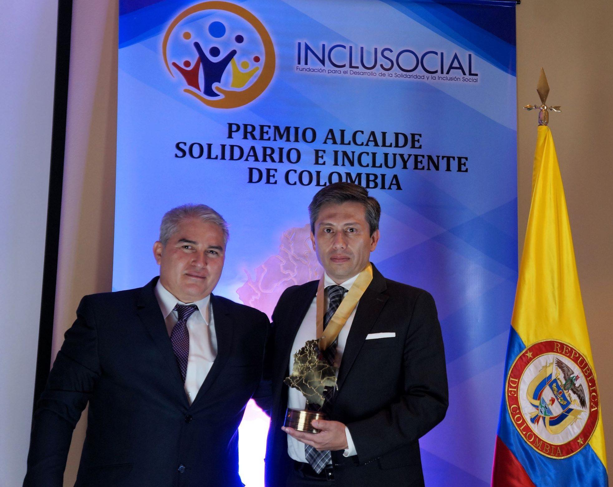 Raúl Emilio Casallas recibió el premio «Alcalde Solidario e Incluyente de Colombia 2019»
