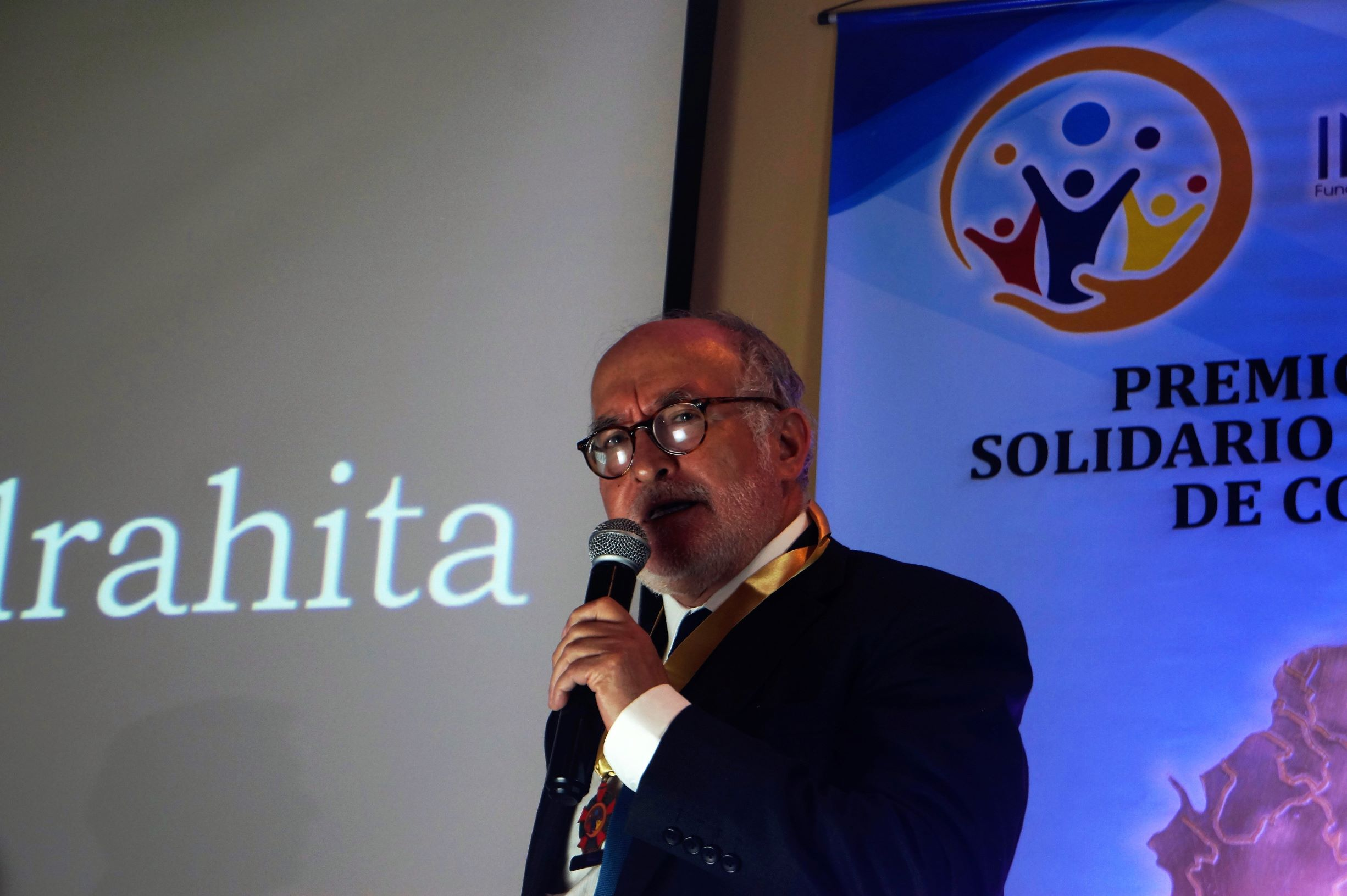"""Guido Echeverri recibió el premio """"Gobernador Solidario e Incluyente de Colombia 2019″"""