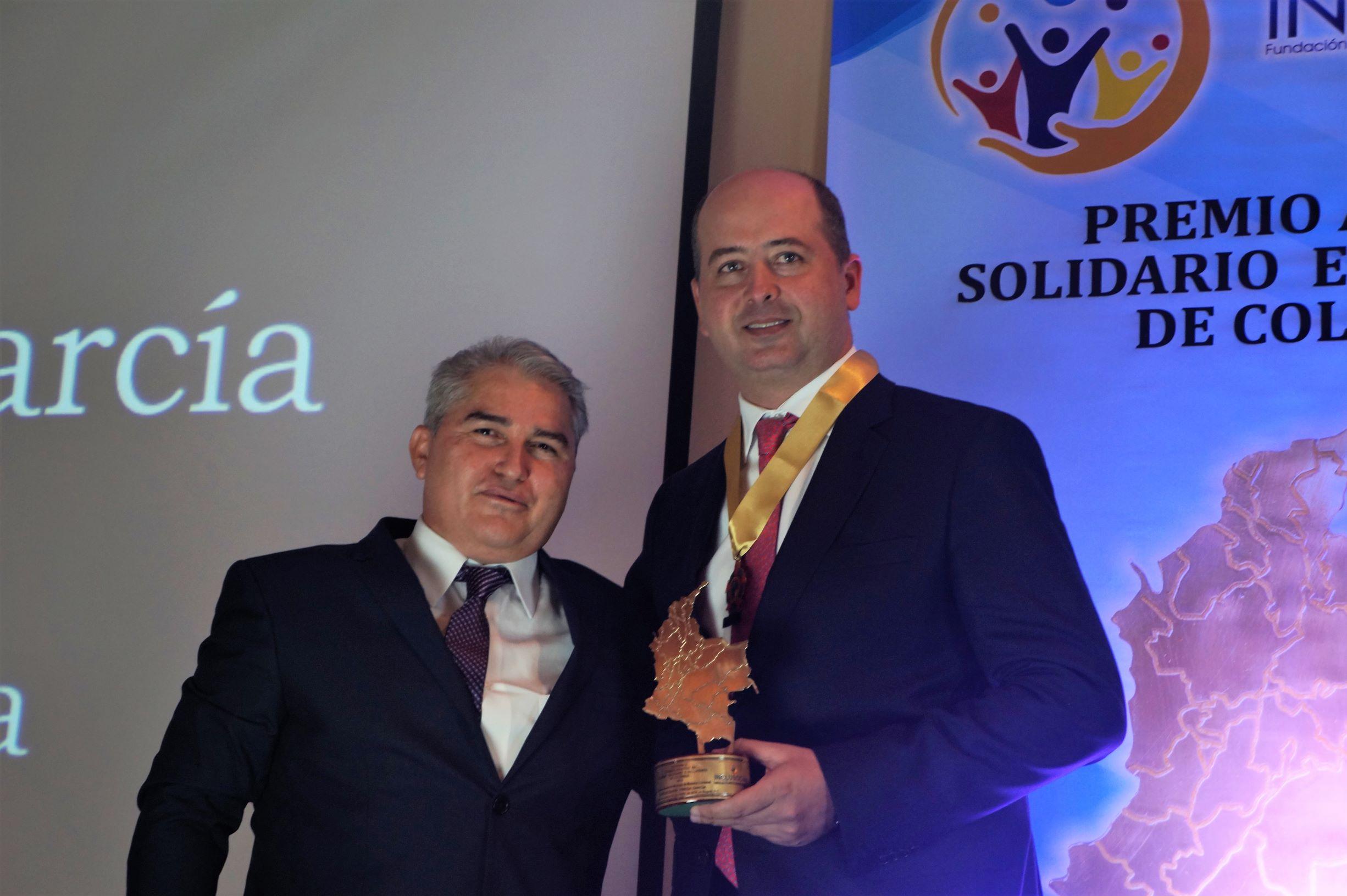 """Marcos Daniel Pineda recibió el premio """"Alcalde Solidario e Incluyente de Colombia 2019″"""