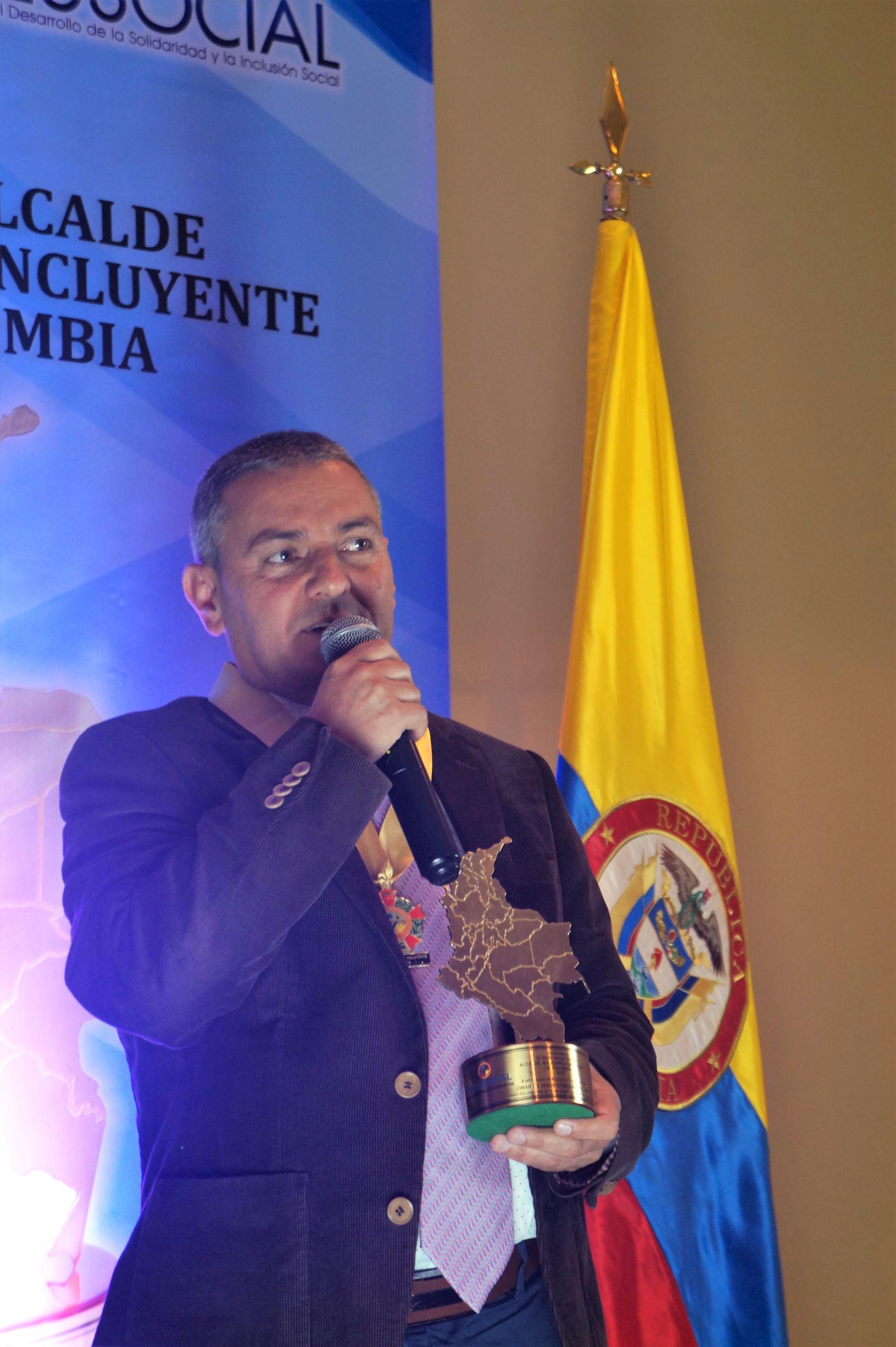 """Omar de Jesús Gómez recibió el premio """"Alcalde Solidario e Incluyente de Colombia 2019″"""
