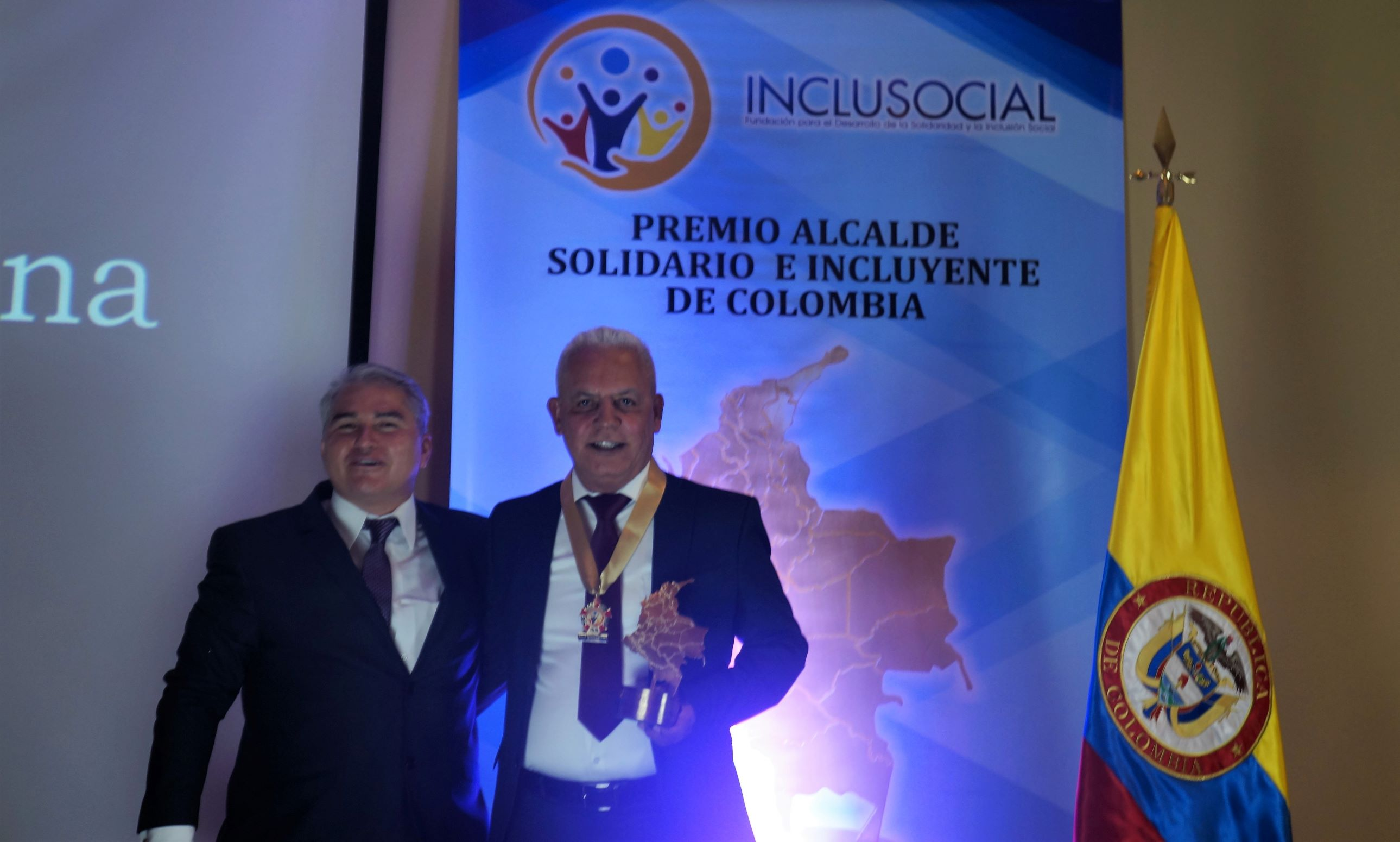 Ovidio Miguel Hoyos recibió el premio «Alcalde Solidario e Incluyente de Colombia 2019»