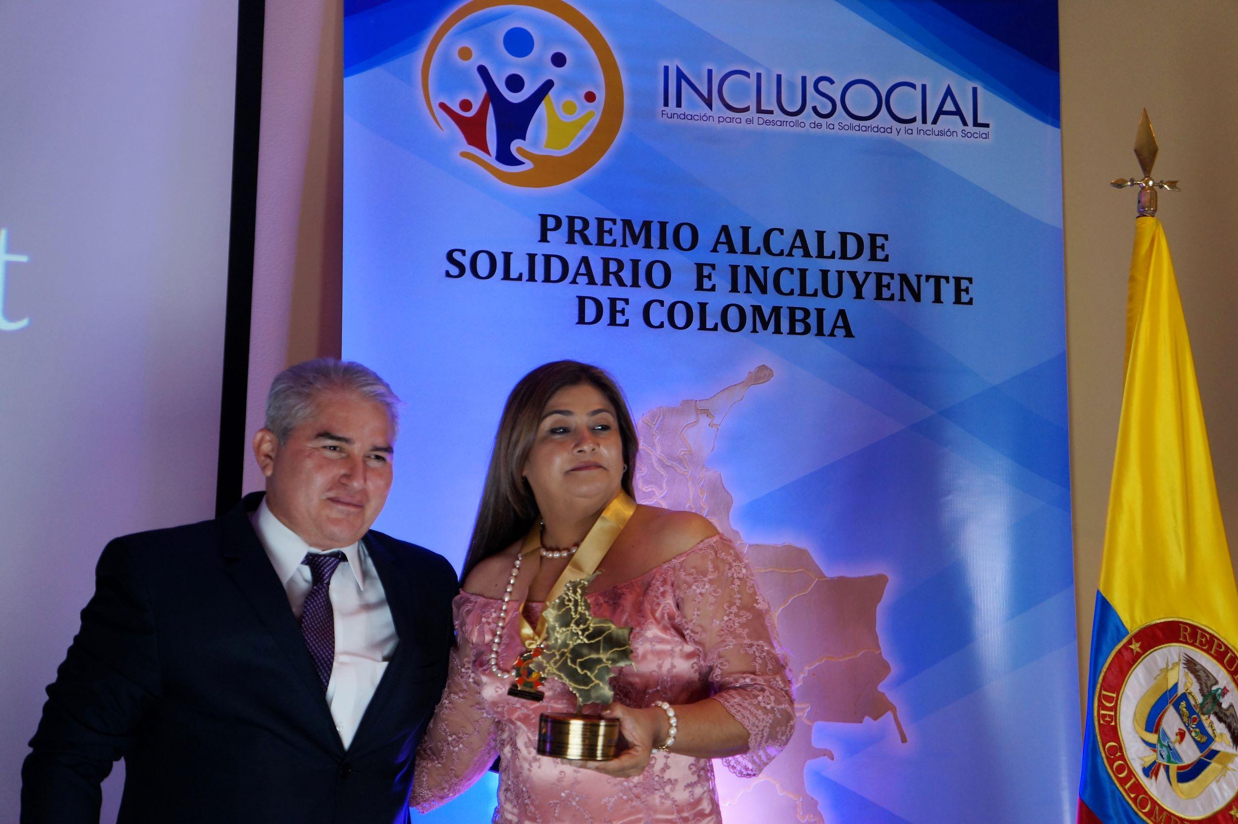 """Sandra Milena Gutierrez recibió el premio """"Alcaldesa Solidaria e Incluyente de Colombia 2019″"""