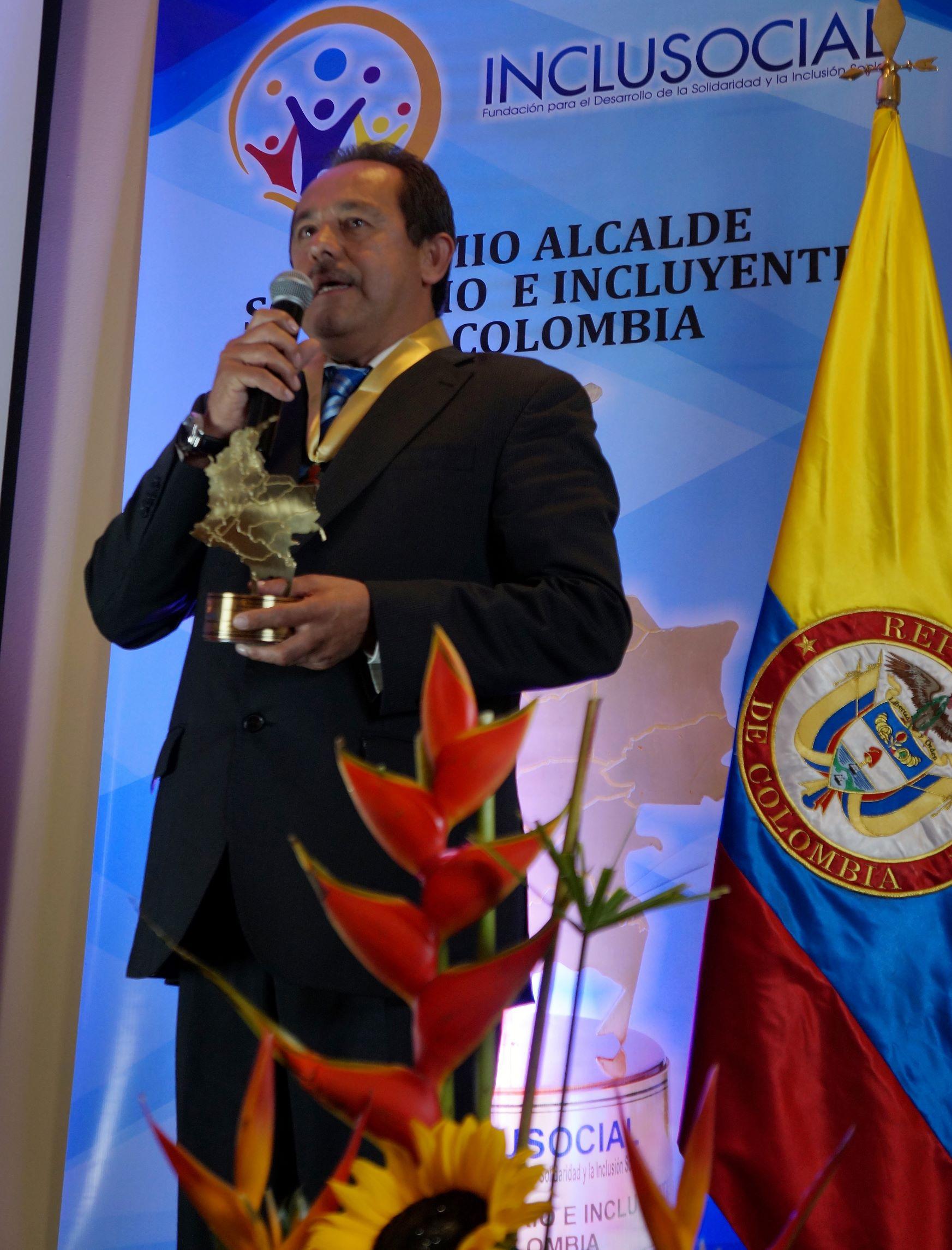 """José Joaquín Cubides, recibió el premio """"Alcalde Solidario e Incluyente de Colombia 2019″"""