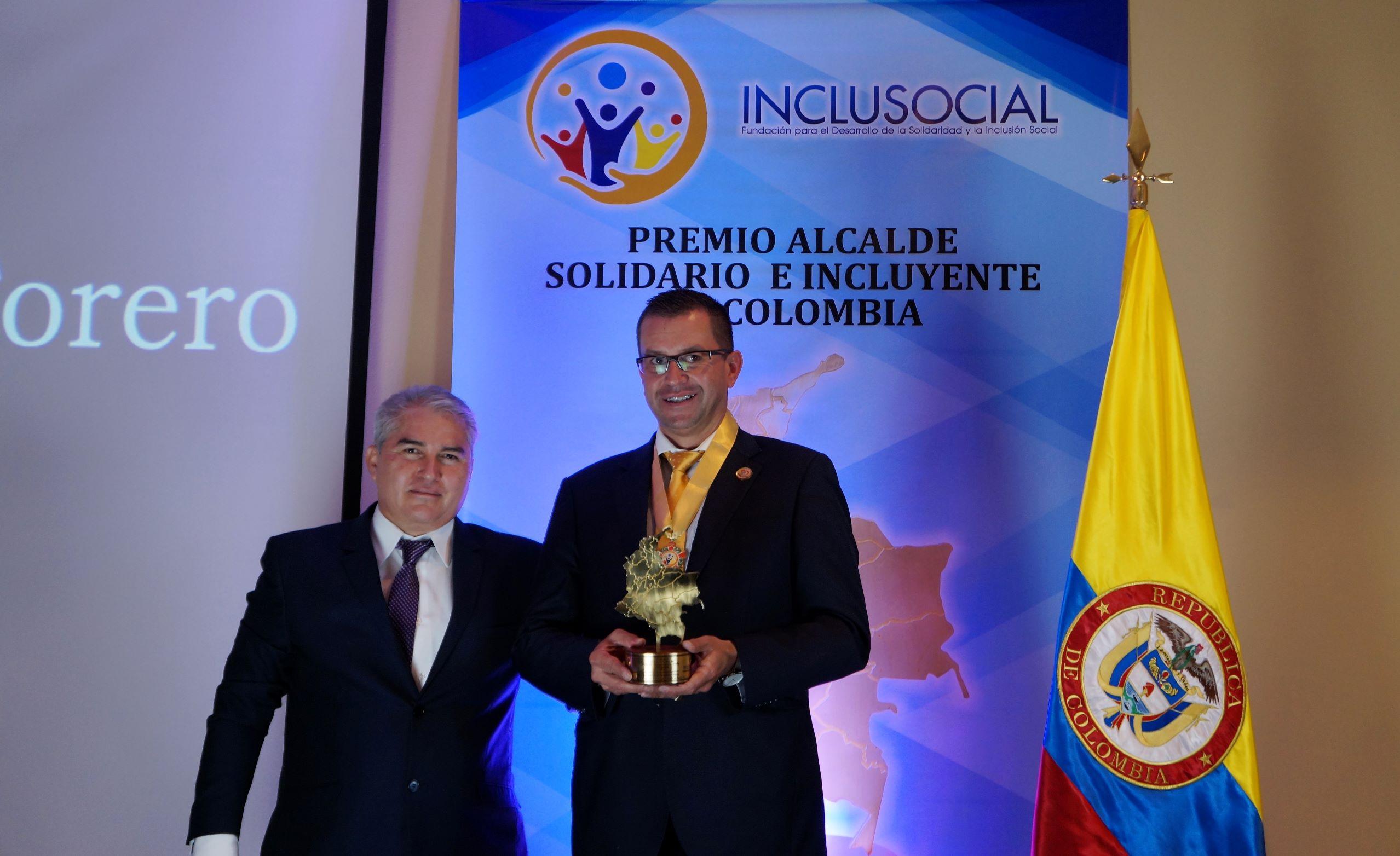 William Darío Forero recibió el premio «Alcalde Solidario e Incluyente de Colombia 2019»